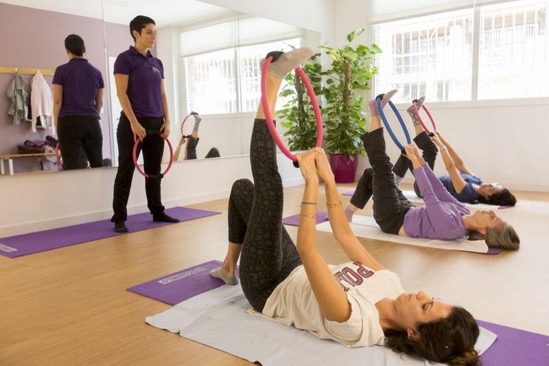 Nura-Fisioterapia-Sesion-Pilates-3-Clinica-Fisioterapia-Sevilla-